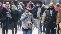 Pokud má občan zakrytá ústa, nikoliv však nos, jedná se o porušení mimořádného...