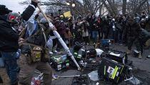 Dav Trumpovıch příznivců zaútočil na média poblíž amerického Kapitolu. Dle...