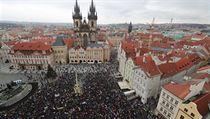 Na náměstí mají zhruba v dvouhodinového programu zaznít projevy zástupců...