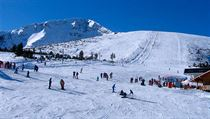 Bansko, jedno z míst konání Světového poháru v lyžování, nabízí desítky...