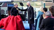 Zpěvačka Lady Gaga, která zapěla americkou hymnu na inauguraci Joea Bidena...