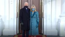 Joe Biden poprvé stanul před Bílım domem jako prezident USA.