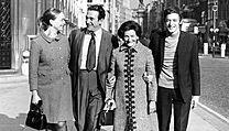 Robert Maxwell na snímku ze září 1971 s manželkou Betty a dětmi Philipem a Anne.