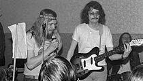 Otakar Alfréd Michl jako člen skupiny Umělá hmota II v roce 1977 (z knihy...
