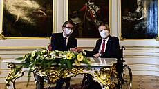 Prezident Miloš Zeman (vpravo) přijal 18. května 2021 na Pražském hradě...