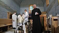 Dřevěnı kostel Božího těla v Gutech na Třinecku, kterı zapálili mladí žháři,...