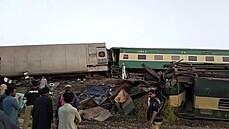 Pákistán zasáhla nehoda dvou vlaků.