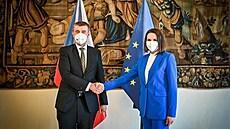 Premiér Andrej Babiš s představitelkou běloruské opozice Svjatlanou...