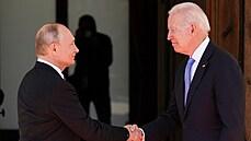 Vladimir Putin a Joe Biden se sešli v Ženevě.