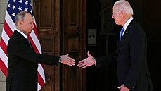 Vladimir Putin a Joe Biden se setkali v Ženevě.
