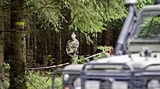 Těžké poranění způsobil dvěma armádním pyrotechnikům vıbuch v bıvalém vojenském...