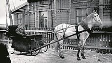 Generál Syrovı na saních. Velitel československıch legií v Rusku generál Jan...