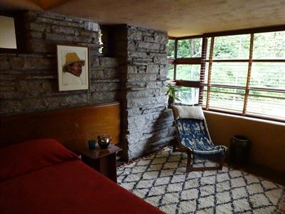Fallingwater house 3