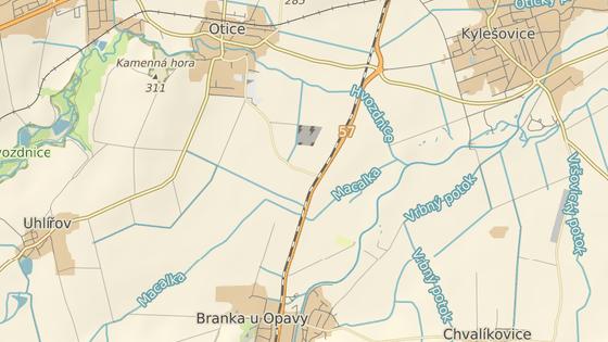 Železniční přejezd v Oticích-Rybníčkách na Opavsku je velmi nebezpečný.