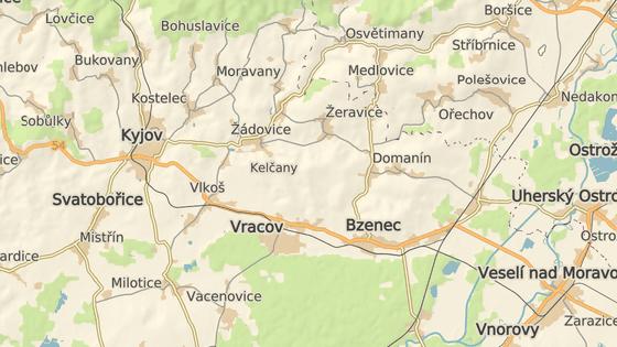 Opilý řidič se ve Vlkoši snažil ujet policistům, skončil však v silničních zábranách.