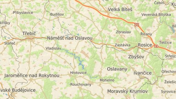 Zátoka Lavičky v Dalešické přehradě.