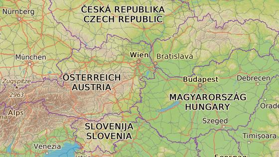 Slovensko (červená značka) a Slovinsko (modrá)
