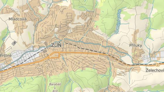 Přejezd u zlínské nemocnice v části Podvesná patří dlouhodobě mezi rizikové.