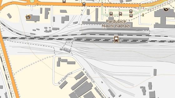 Lávka ve směru od centra na Duklu povede nad kolejištěm západně od pardubického nádraží.