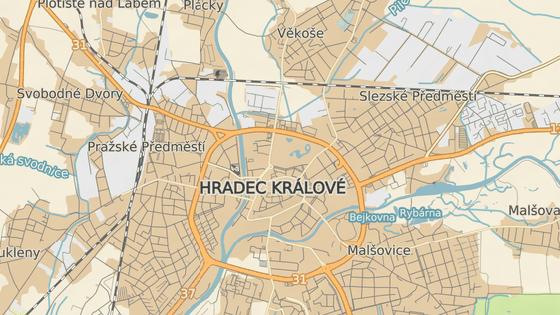 Hradecké bludiště je v ulici Jana Černého.