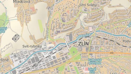 Na příjezdové silnici z centra Zlína na sídliště Jižní Svahy se má opravovat necelý kilometr dlouhý úsek stoupání od ulice K Pasekám (černá značka) k I. segmentu (červená).