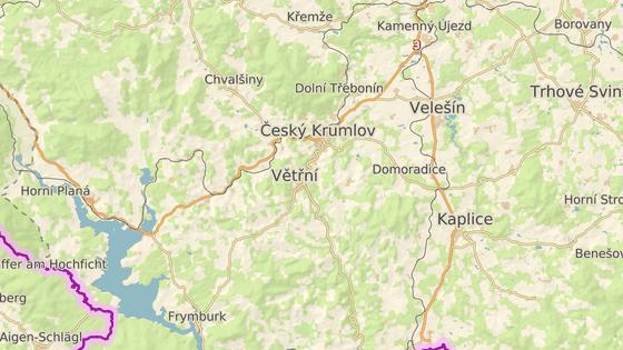 Les hořel poblíž Kájova na Českokrumlovsku.