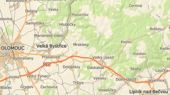 Pramen je přístupný po cestě z parkoviště v Kozlově.