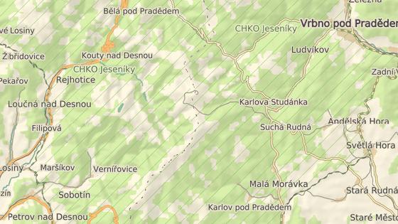 Zimní středisko Ovčárna leží kousek pod vrcholem Pradědu