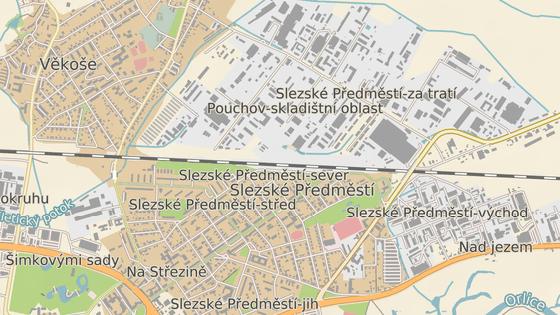 Nová ulice (červeně) má odlehčit Kladské (zeleně) a Pouchovské (modře).