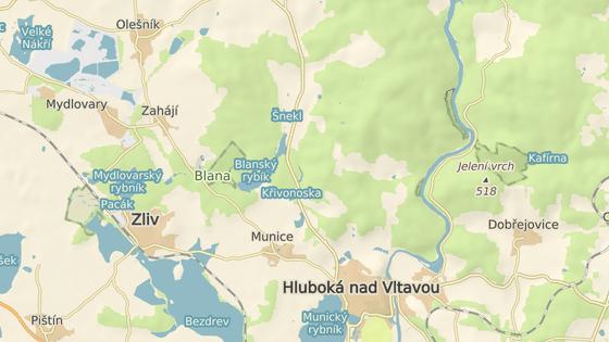 Skládky jsou v lese mezi Municemi a Zahájím.