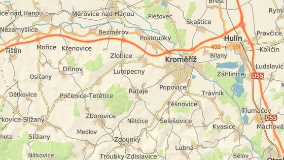 Policejní honička začala v Morkovicích (zelená značka) a skončila až u zátarasu mezi Lutopecnami a Kroměříží (červená).