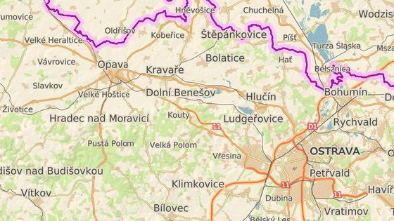 Hrabyně leží zhruba v polovině trasy mezi Ostravou a Opavou.