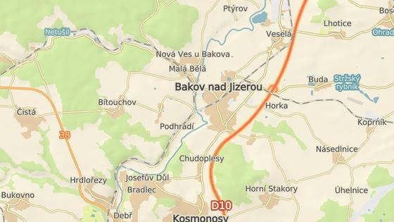 Dalešice jsou od Bakova nad Jizerou vzdáleny přibližně pět kilometrů.