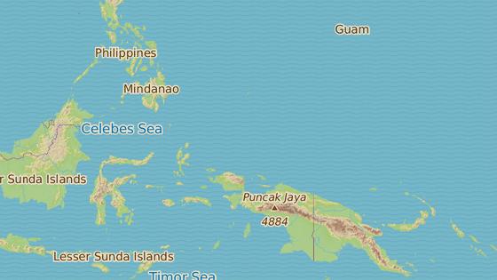Zelená značku ukazuje na ostrov Pikelot, na kterém trojice čekala na záchranu. Modrá značka ukazuje původní cíl cesty, ostrov Pulap.