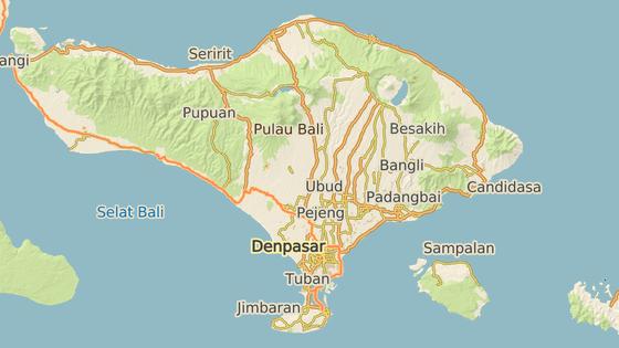 Vesnice Canggu (modře), oblast Amed (zeleně), sopka Agung (červeně).