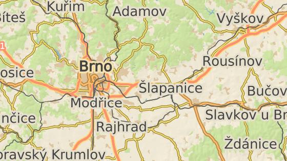 Dálnici D1 u Holubic na Vyškovsku zablokoval v obou směrech převrácený kamion.