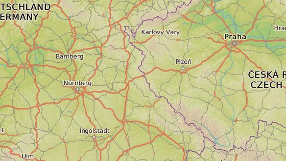 Vlak jel z Chebu (modrá značka) do bavorského města Schwarzenfeld (červená)