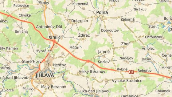 Při uzavírce Brněnského mostu (červená značka) se budou muset řidiči v případě komplikací na D1 nejspíš vyhnout celé Jihlavě. Objízdná trasa může vést přes Polnou, Dobronín a Štoky.
