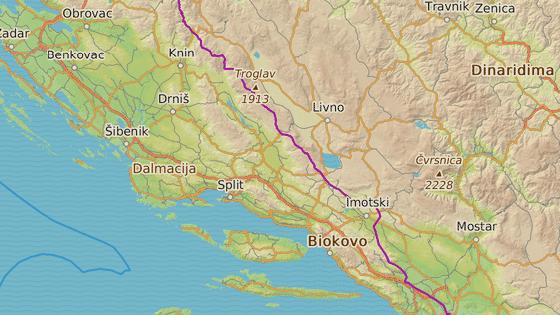 Značky ukazují požáry u města Drniš, Omiš a Stari Grad na ostrově Hvar