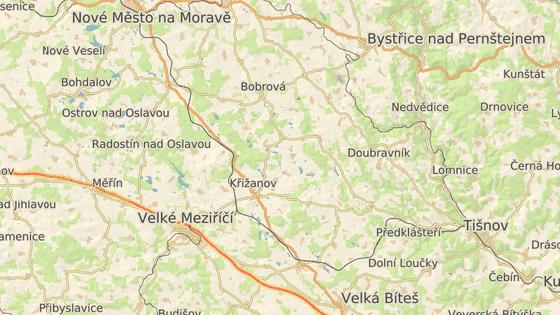Správa železnic chystá přestavbu tratě mezi Skleným nad Oslavou (červená značka) a Křižanovem (modrá).