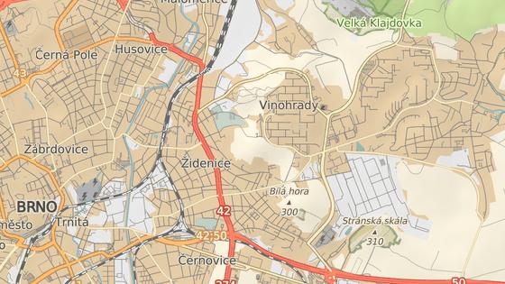 Červený symbol značí místo stávající smyčky, modrá je v místě Pálavského náměstí na Vinohradech, kam by se mohla trať prodloužit.