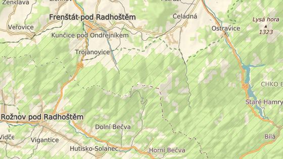 Vrchol Kněhyně se nachází mezi Prostřední Bečvou a Čeladnou.
