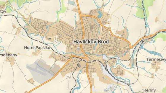 Křižovatka U Vojtěcha v Havlíčkově Brodě. Z hlavního průtahu městem se zde odbočuje na Světlou nad Sázavou.
