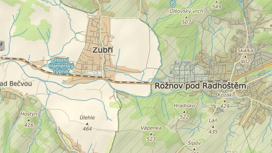 Nehoda se stala na cyklostezce Bečva mezi Rožnovem pod Radhoštěm a Zubřím poblíž Cyklorestu u Vody.