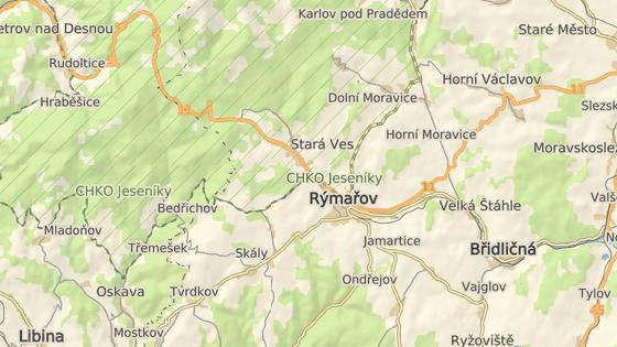 Zámek stojí v rýmařovské místní části Janovice na Bruntálsku.