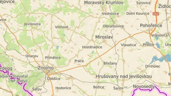 Silnice I/53 spojující Pohořelice a Znojmo.