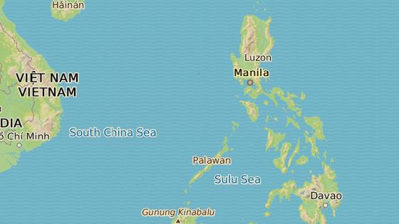 Dvě z nejvíce zasažených měst, Manila (modře) a Legazpi (červeně).