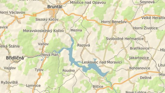 Stroj havaroval u vodní nádrže Slezská Harta na Bruntálsku.