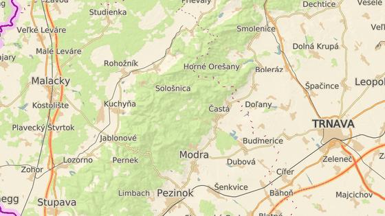 Hora Geldek (červený bod) je nepsaným středem Malých Karpat.