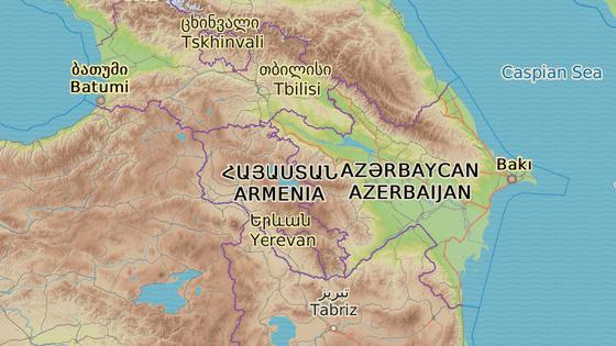 Červená značka - Baku, oranžová - Alat, modrá - Tbilisi, zelená - Kars